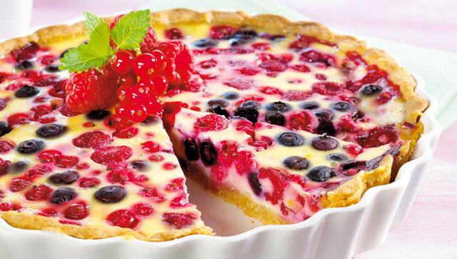 Prepara una rica tartaleta de crema pastelera y frutos rojos